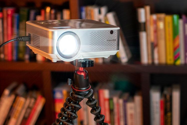 Proiecor LED Kruger&Matz cu montaj pe suport