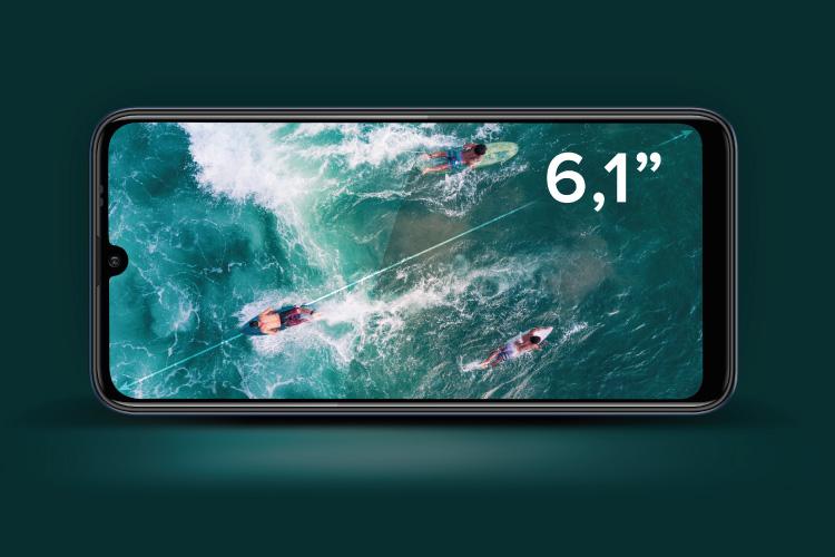 """Smartphone cu ecran mare de 6,1"""""""