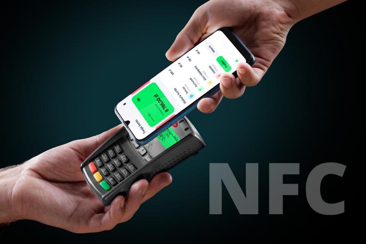 Smartphone cu NFC